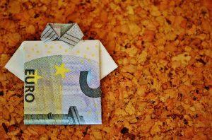 """""""Ακριβά"""" πράγματα που μπορείτε να κάνετε αποταμιεύοντας μόλις 5 ευρώ την εβδομάδα."""